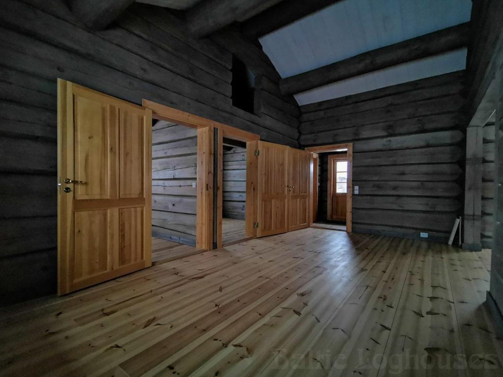 käsitöö palkmaja, log house, laftehytte, murukatusega palkmaja, Jakob 76